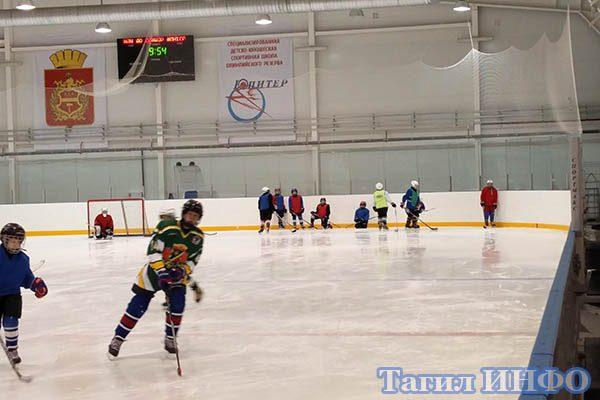 смотрины зеленоградского игрока на арена Нижнетагильского Президентского ледового Дворца